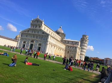 Pisa und Lucca bei strahlendem Sonnenschein