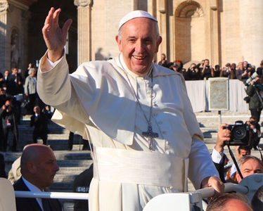 Liebe Grüße von Papst Franziskus!